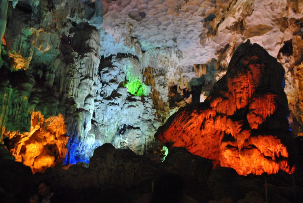 Thien Cung Cave 1