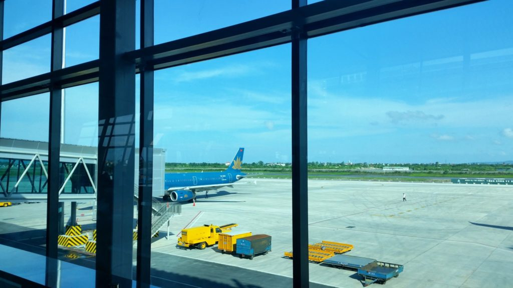 Haiphong Lotnisko - Vietnam Airlines